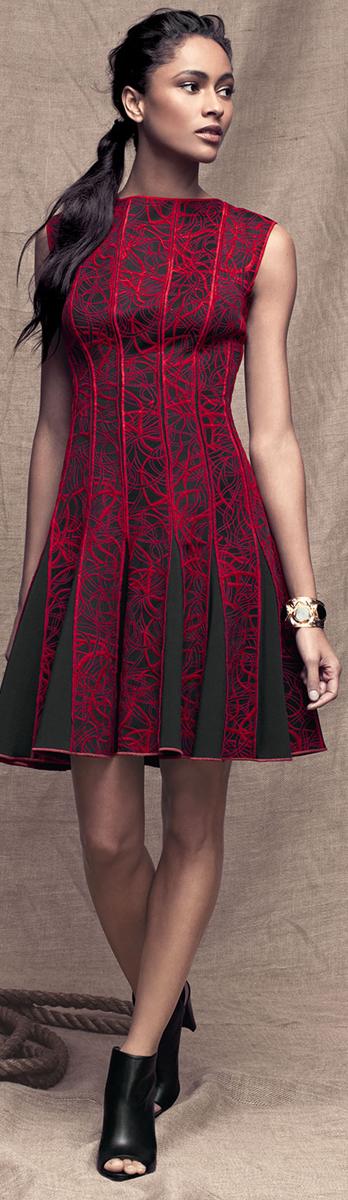 Tadashi Shoji Sleevless Seamed Cocktail Dress
