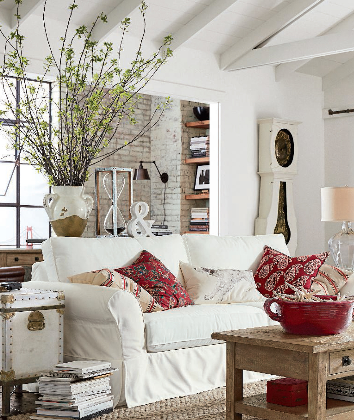 Industrial Farmhouse Living Room: Farmhouse Industrial Decorating Ideas